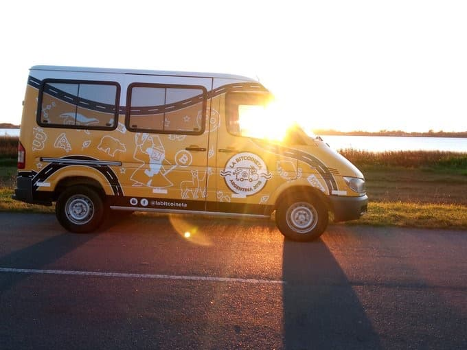 Bitcoin Minivan 'Bitcoineta' Brings BTC and Blockchain Technology Around Argentina